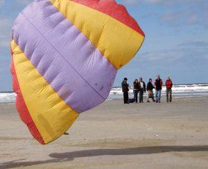 Vliegeren met een stunt vlieger